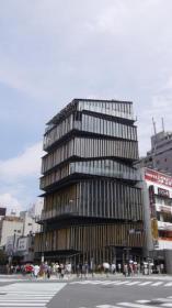 浅草寺前の浅草文化観光センター