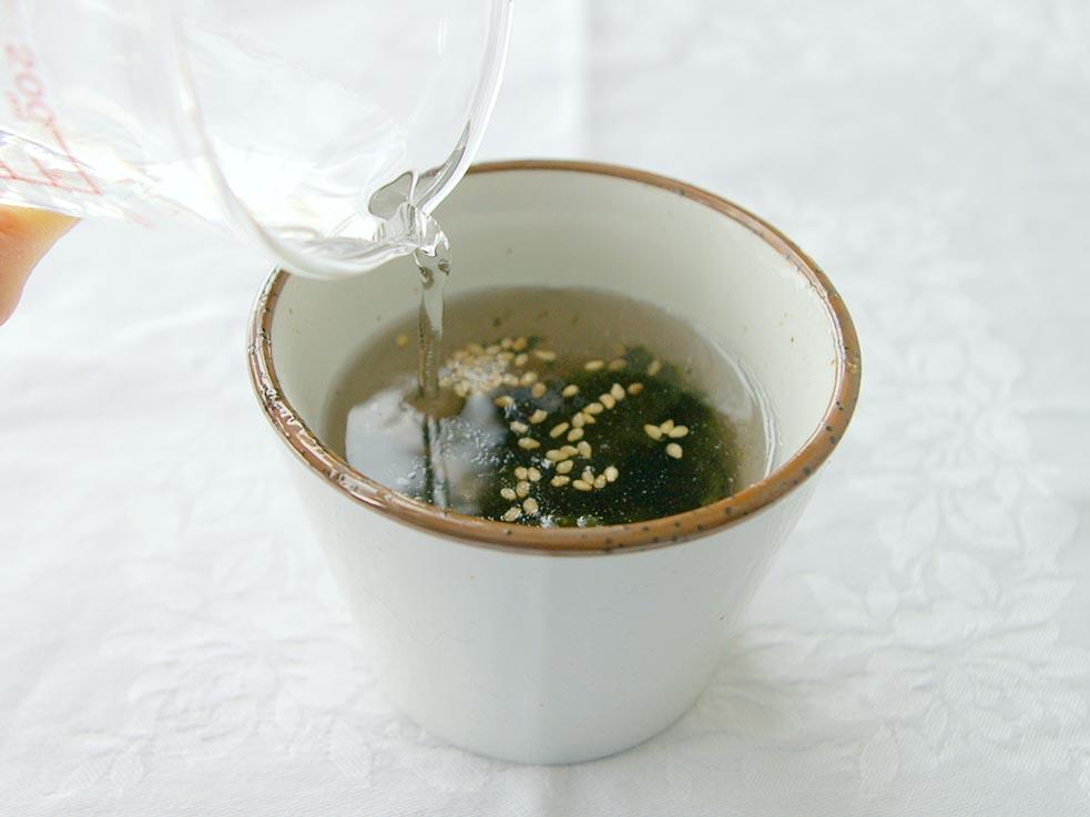 熱湯を注ぐだけ♪低カロリー&糖質OFF!即席スープは夜食にも◎