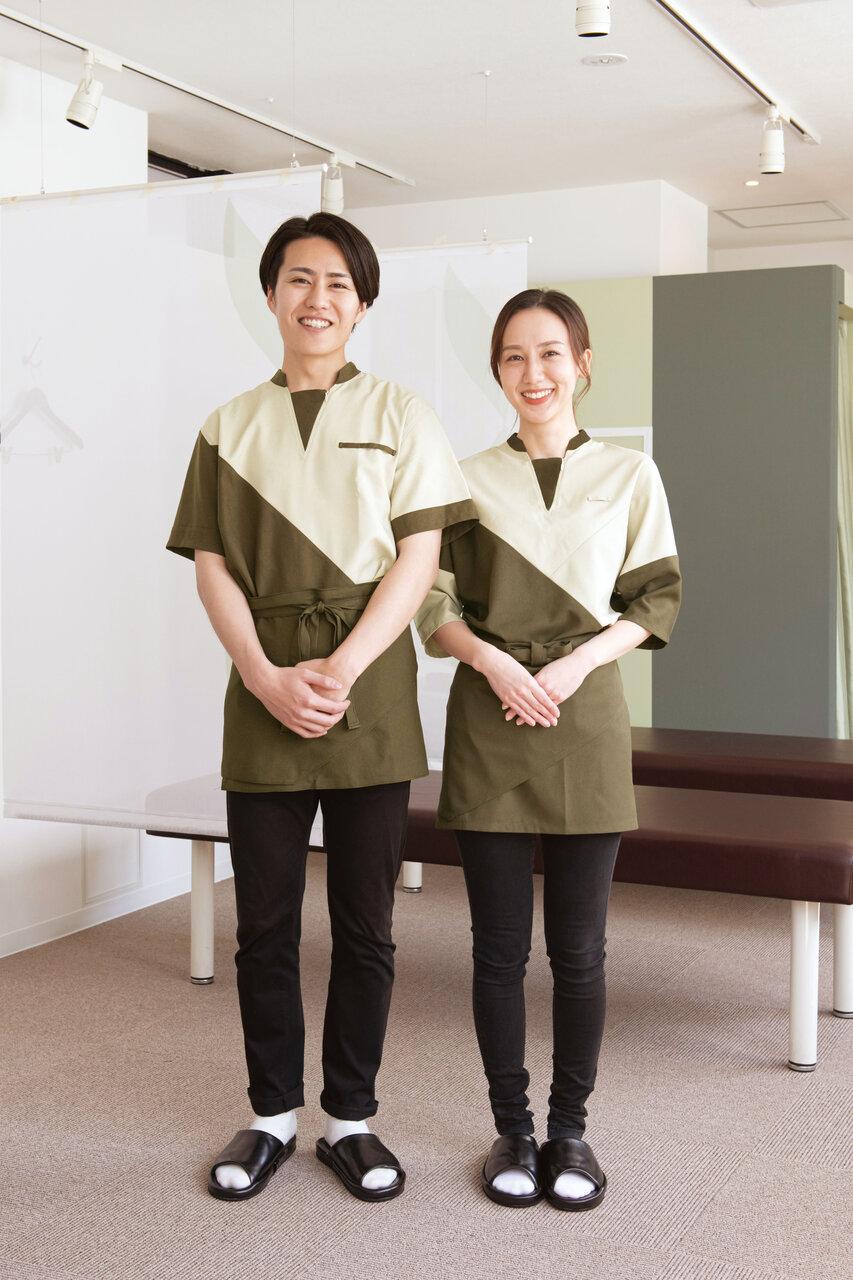 新制服にはCLPの誇りを込めて、刺繍のデザインがされています