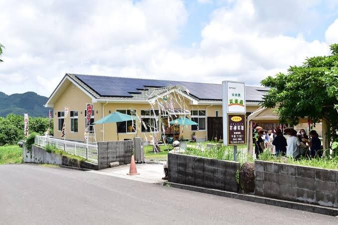 冷凍庫保管している食材の配達先の子ども食堂が開催される「中井原笑楽園」(いちき串木野市)