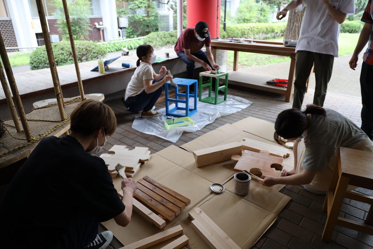 学生の椅子制作の様子