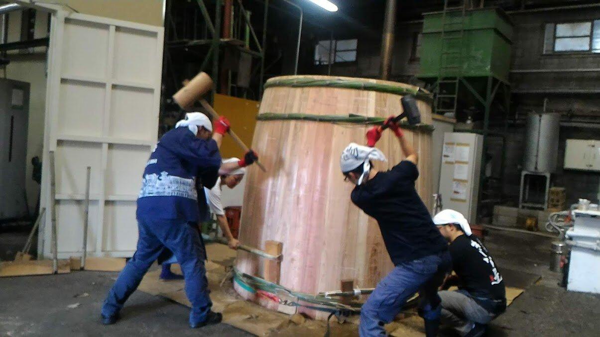 伝統的な木桶仕込みのクラフト醤油