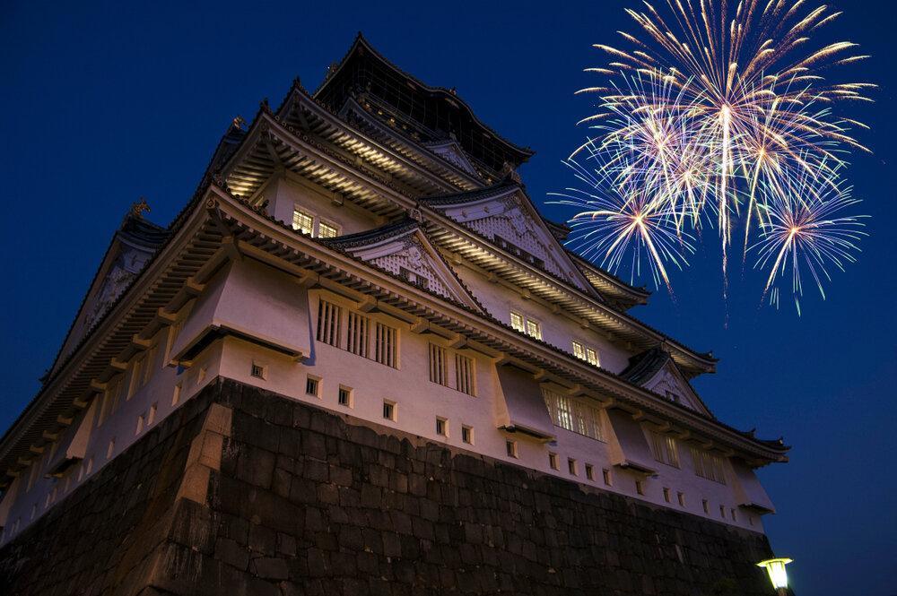 大阪で人気の花火大会の見どころや、あると便利な持ち物をご紹介