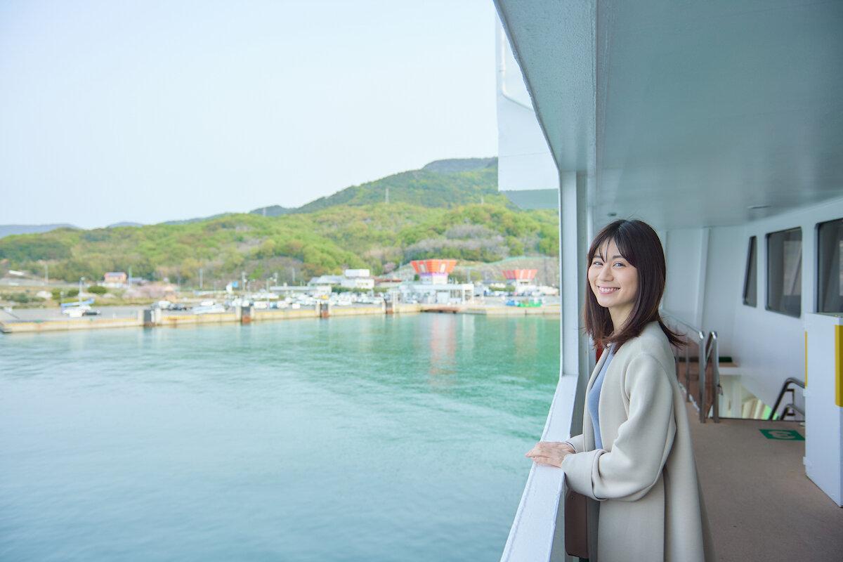 港に到着したフェリーから見える小豆島