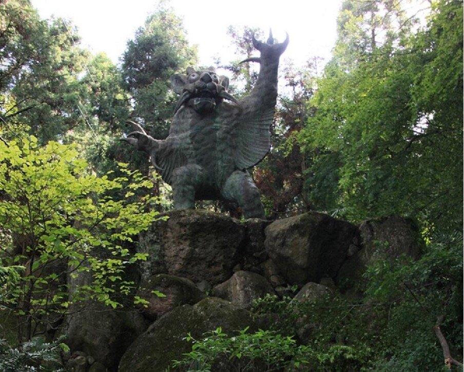 根香寺の牛鬼の像
