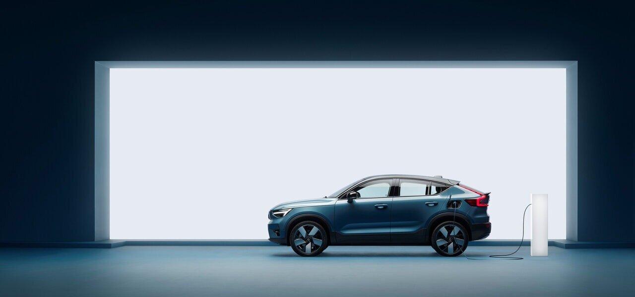 ボルボ、2030年までに完全なEVメーカーに EV専用モデル「C40」もワールドプレミア