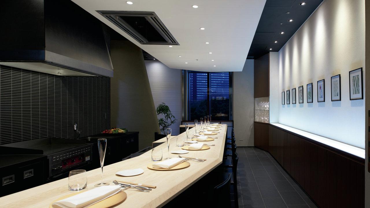 パリで大人気のカウンターフレンチ 「 Restaurant TOYO 」が日本に初出店