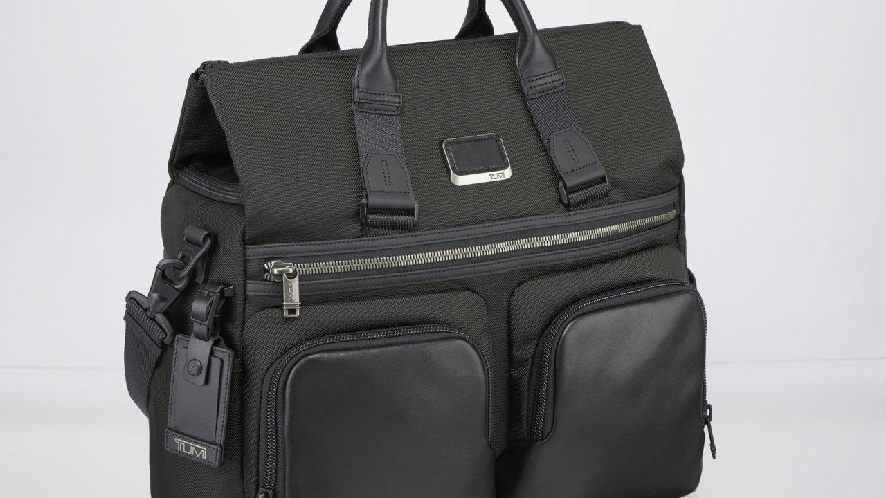 [ファッション]仕事の資料もパソコンも着替えも!パパの出張バッグ