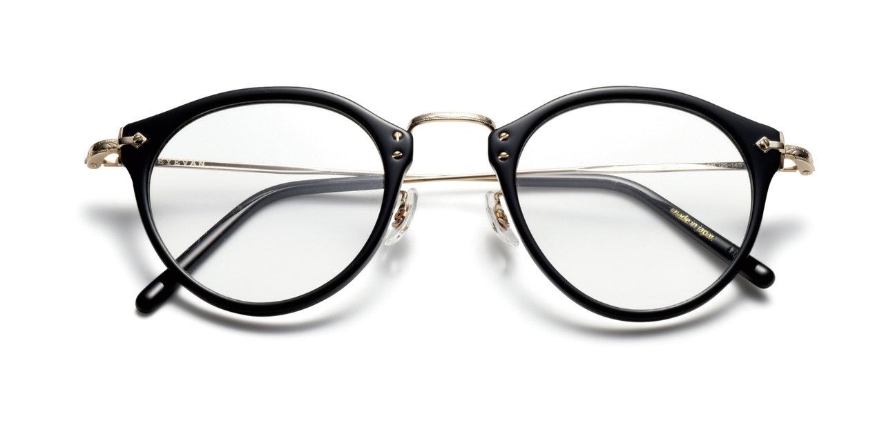 [ファッション]仕事の時と変わって変形丸形眼鏡で週末優しいパパの顔