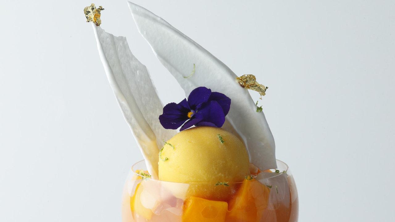 [レストラン]エンポリオ アルマーニ カフェ青山の8月限定パフェはトロピカルパフェ