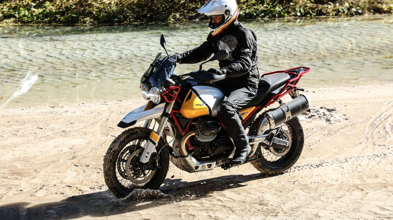 [バイク]Vツインを縦置きした愛嬌たっぷりでネオクラシックなアドベンチャーバイク