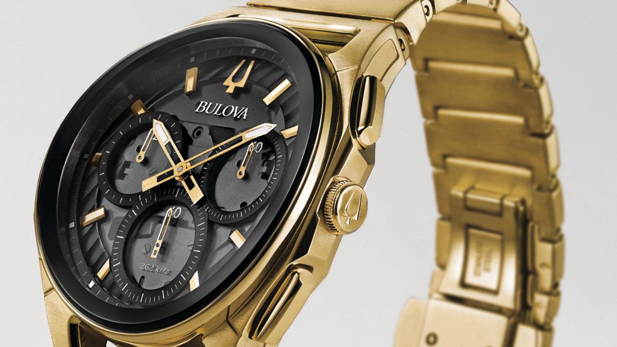 [時計]ガラスも文字板も針も、クロノグラフムーブメントまでもカーブしたブローバの腕時計