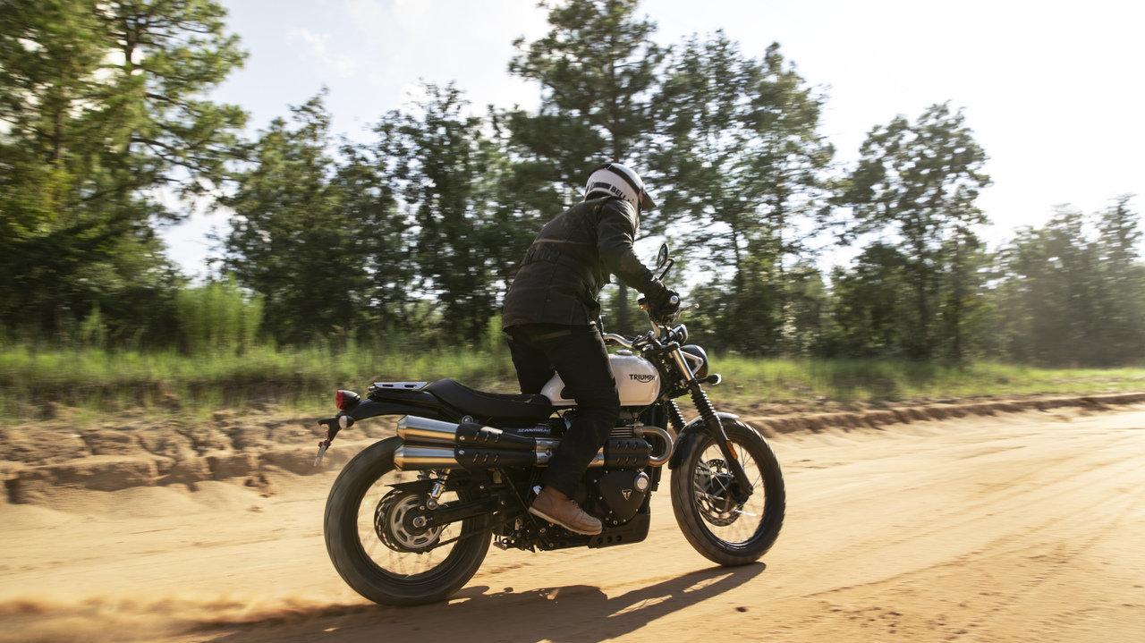 [バイク]ストリート・スクランブラーで走れば、気分はS・マックイーン