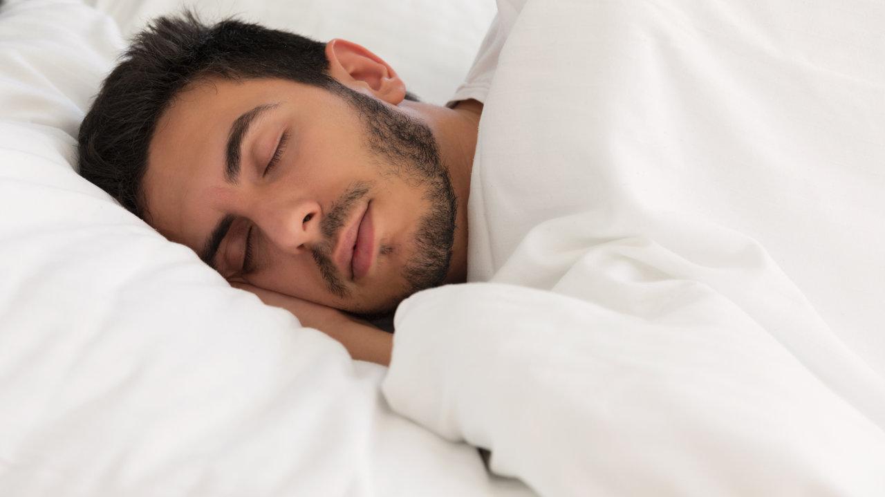 外出自粛の中でストレス解消の一番は快眠!ぐっすり眠れる超快眠術と快眠サポート枕をご紹介!