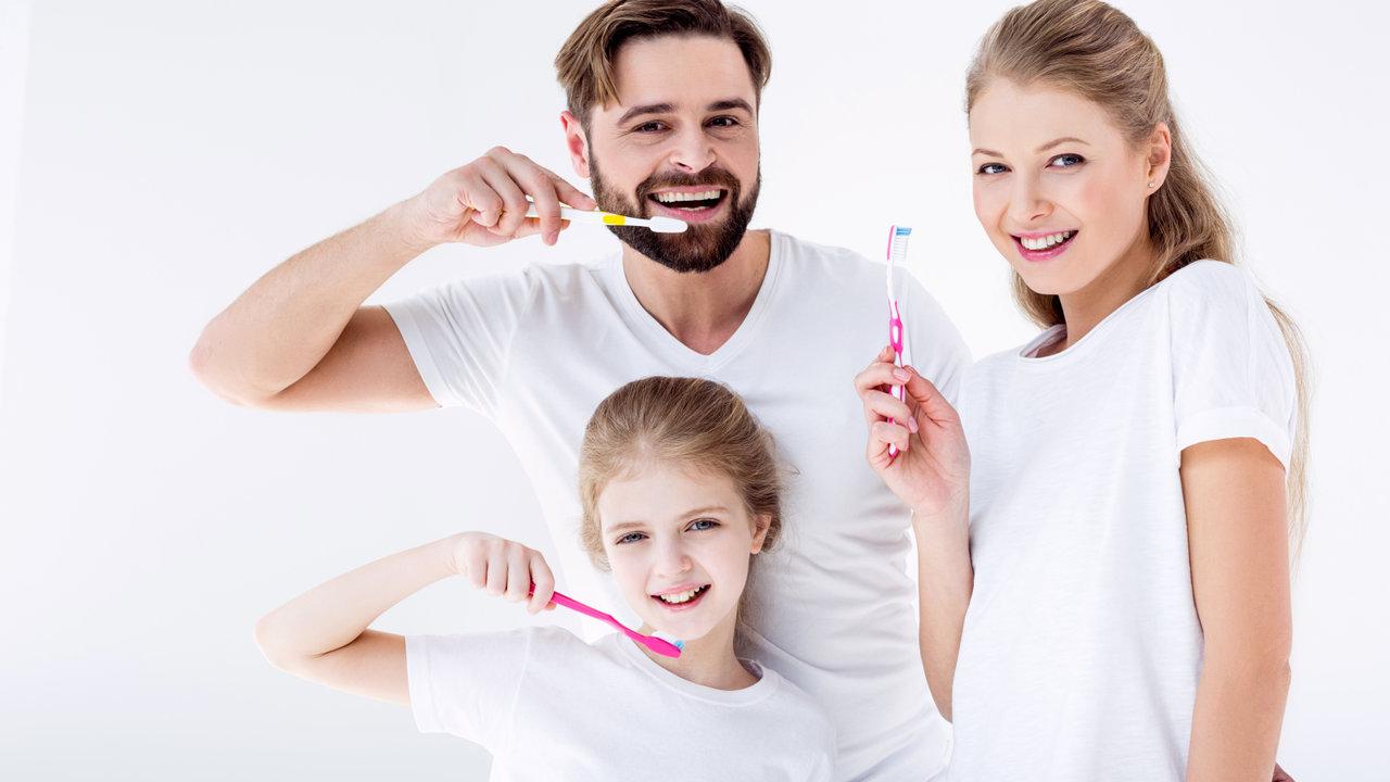 【家庭でできるウイルス対策!】家族をウイルスから守るには、うがい手洗い、そして「歯磨き」?