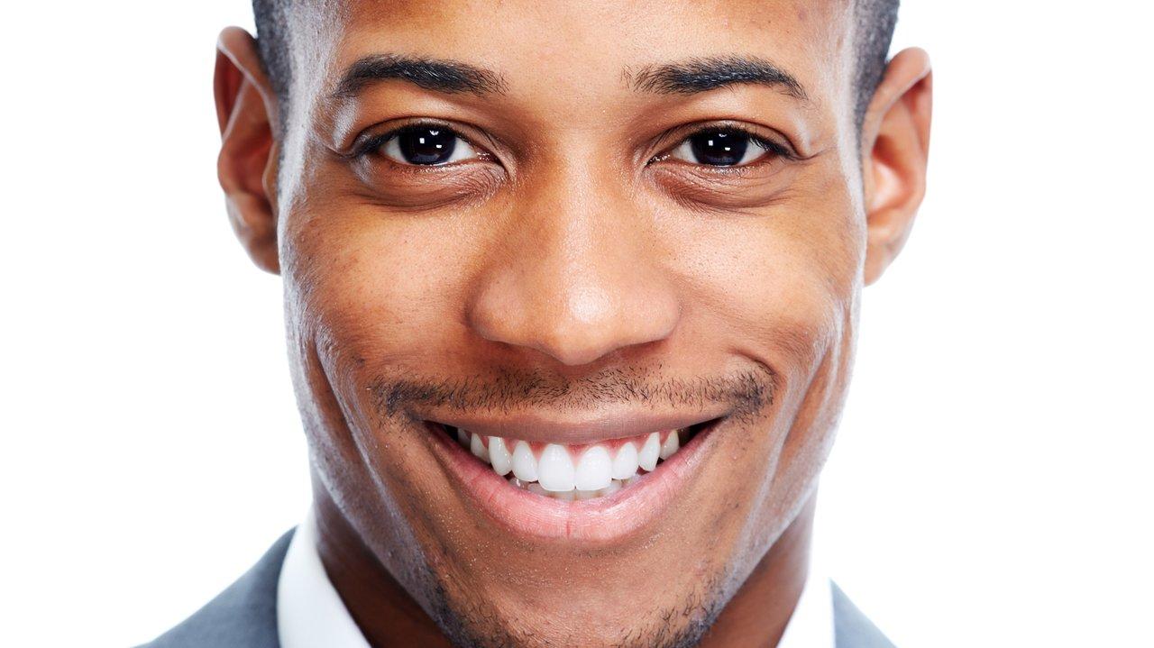 白い歯は、男の美学!ホームホワイトニングで笑顔に自信を