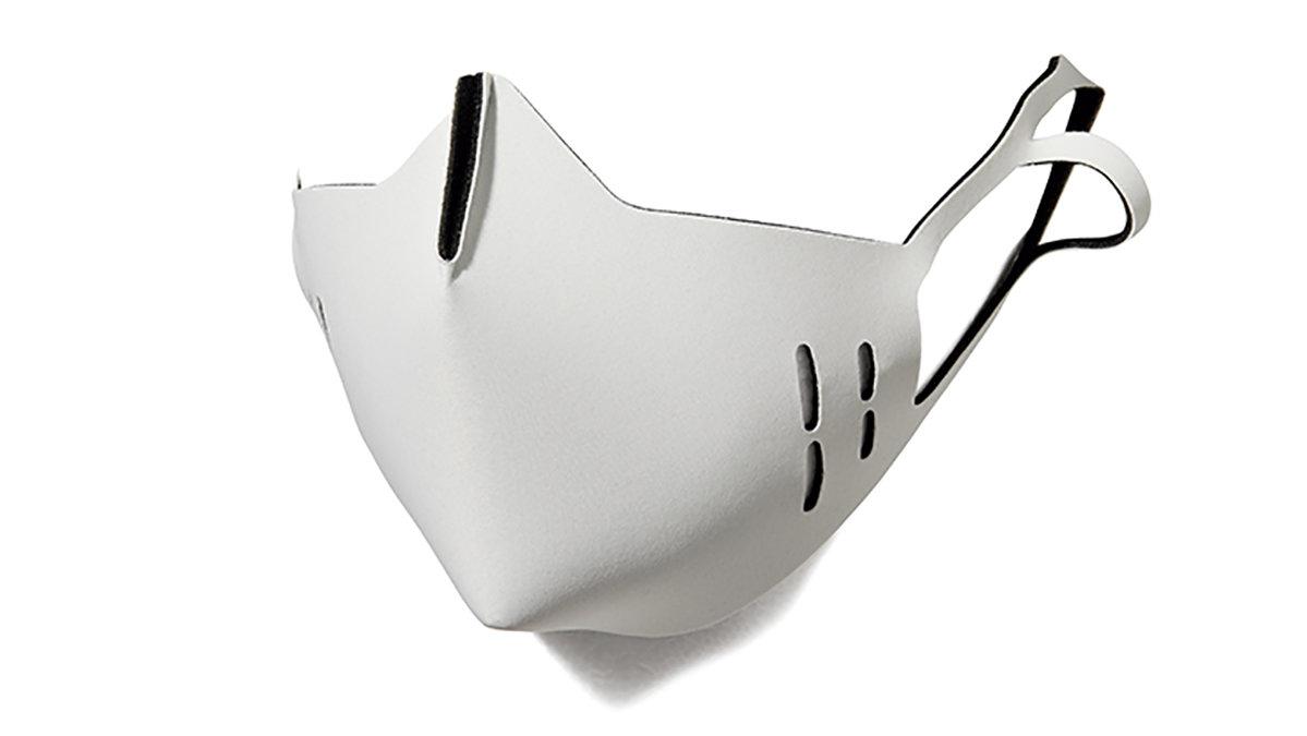ハリウッドセレブ御用達はやっぱりシンプルな一番やすい色 白マスク/その②