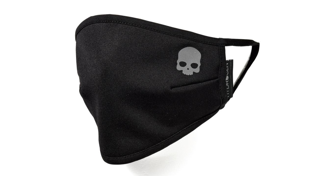ファッションを強化するなら一番シンプルな黒がお洒落度が上がります! 黒マスク/その②