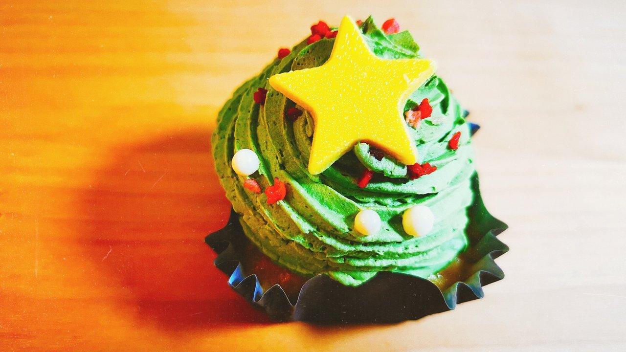 今週の3大コンビニスイーツ厳選!クリスマス仕様のケーキやあのドラマコラボ第3弾も♡