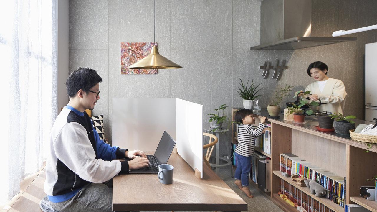 ナイスアイデアな「卓上パーティション」!簡単に自宅で集中できるワークスペース作り
