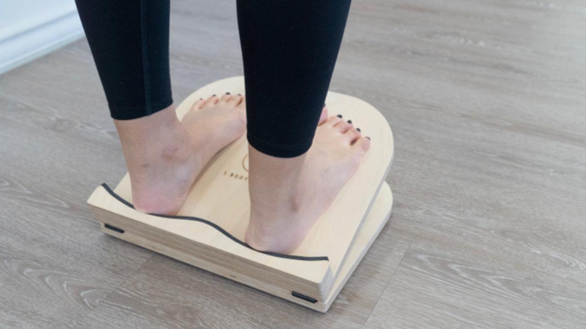 おうちエクササイズで体幹を鍛えるストレッチ!肩こりや運動不足の解消に