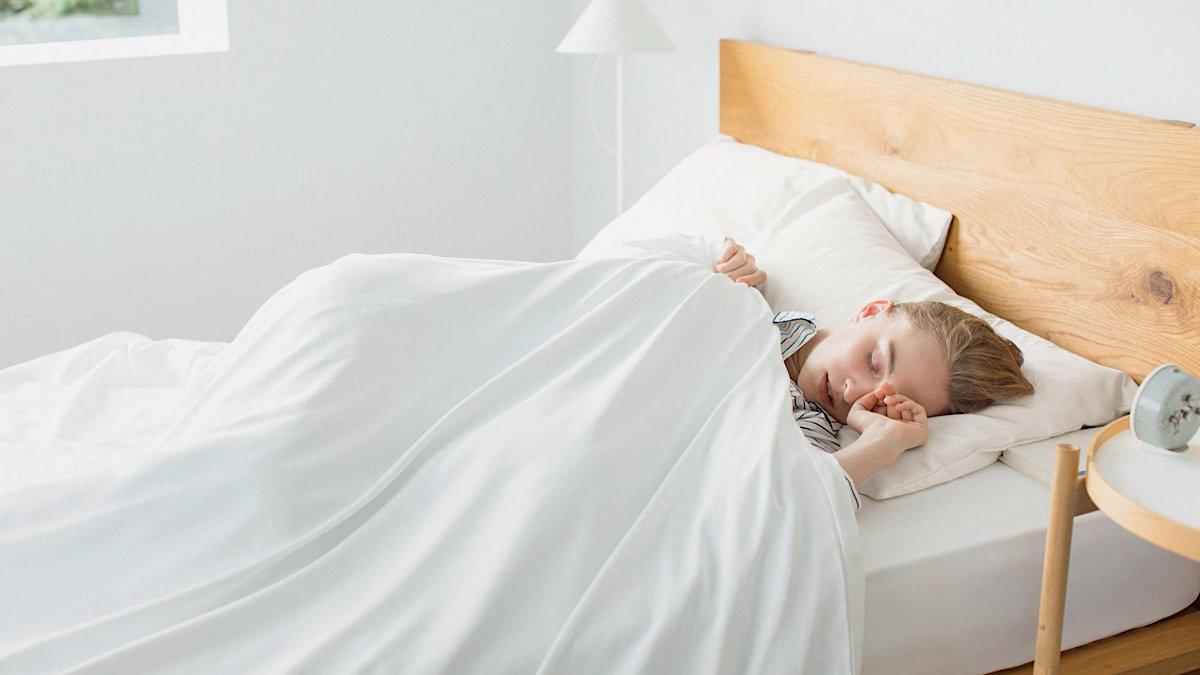 ユニクロのエアリズム寝具で極上の眠りを!やみつきになるサラサラな肌触り
