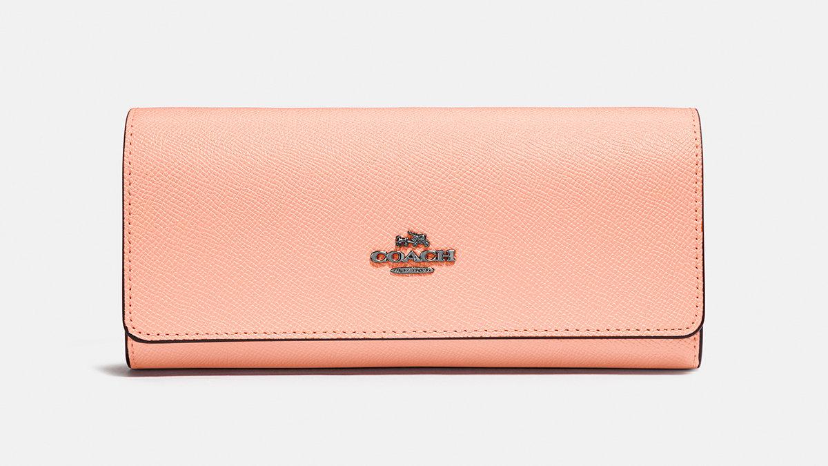 コーチの新作財布は春らしいパステルカラーのラインアップ!