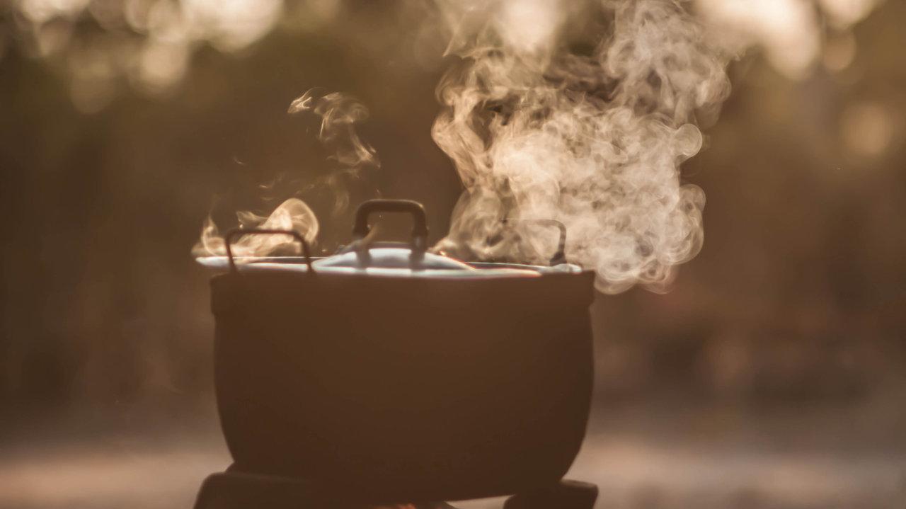 バーミキュラ、無水鍋ほか【ごはんが炊ける鍋特集】どれがいい⁉土鍋 vs ホーロー vs アルミ