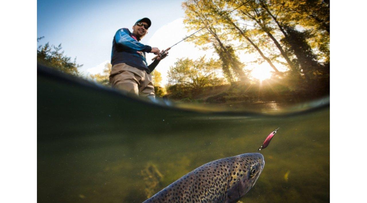 魚が釣れるまでのメカニズム解明?水中内のルアーの動きをデータ化するIoTルアー