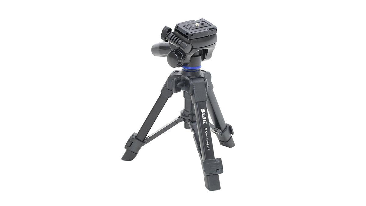 1台2役のスグレモノ。スマホ・カメラ兼用のテーブル三脚はリモートワークに超便利