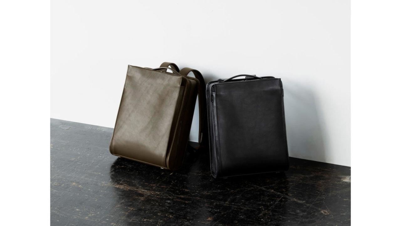 ラフさの中にも品格を。オンオフ使える、土屋鞄のコンパクトな革リュック
