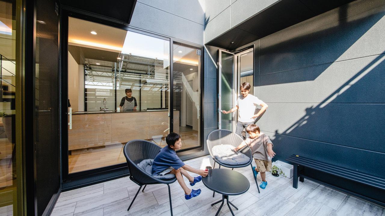 MADURO STYLE第87回/社員が自社で建てた、家族の温もりと木の優しさが同居する家その①