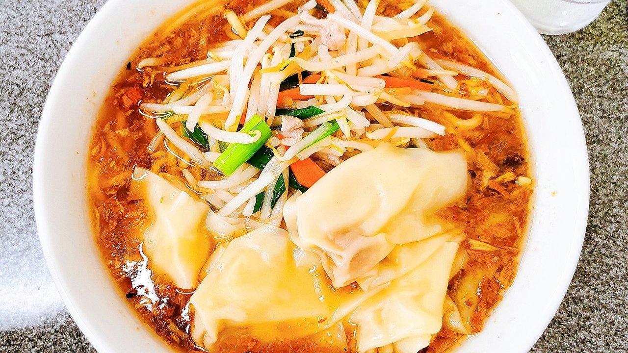 【街中華】渋谷・道玄坂「中華麺店 喜楽」香ばしスープの決めてはアレ!