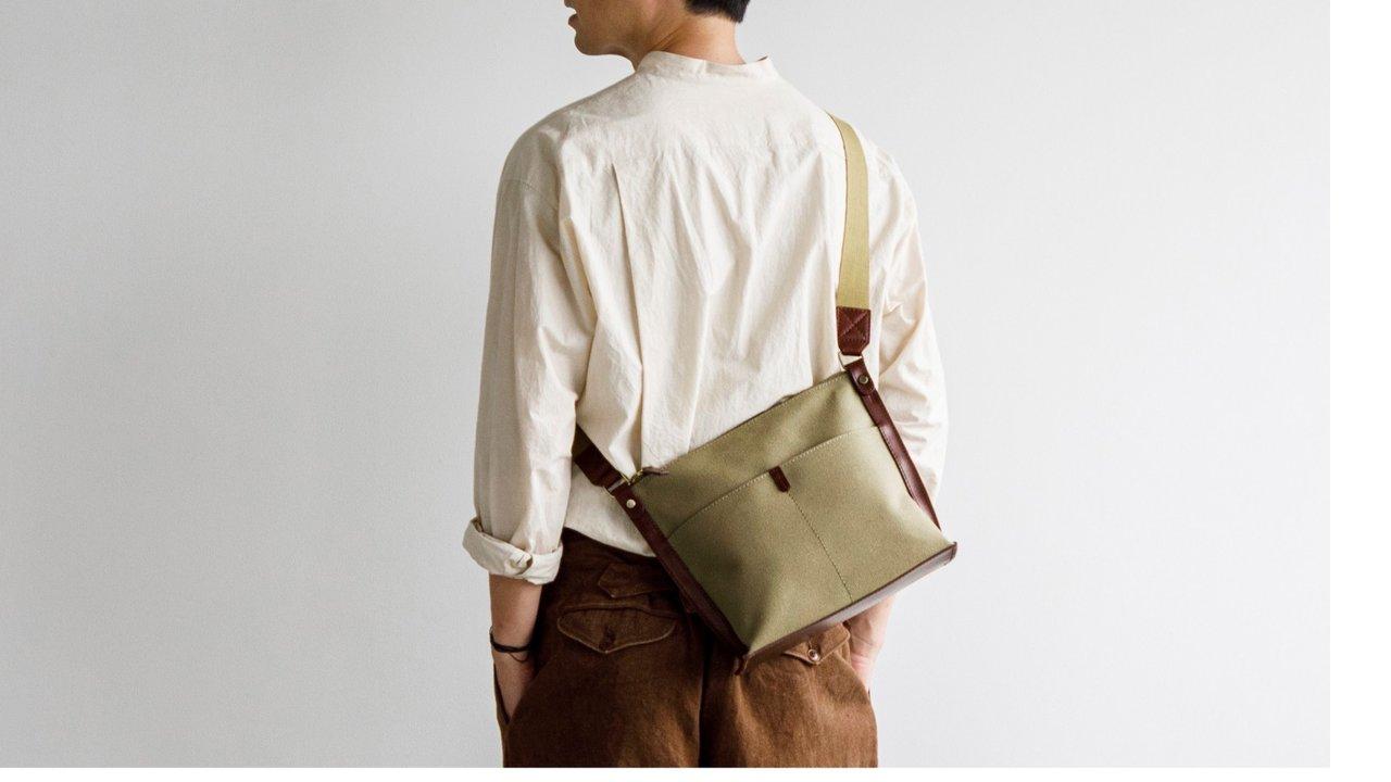 夏はこのバッグを。土屋鞄よりカジュアルな夏コーデにもぴったりなショルダーバッグ