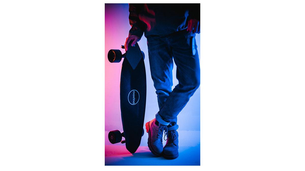 初心者でも簡単に乗れちゃう!Maxfind製電動スケートボード「Max2Pro」