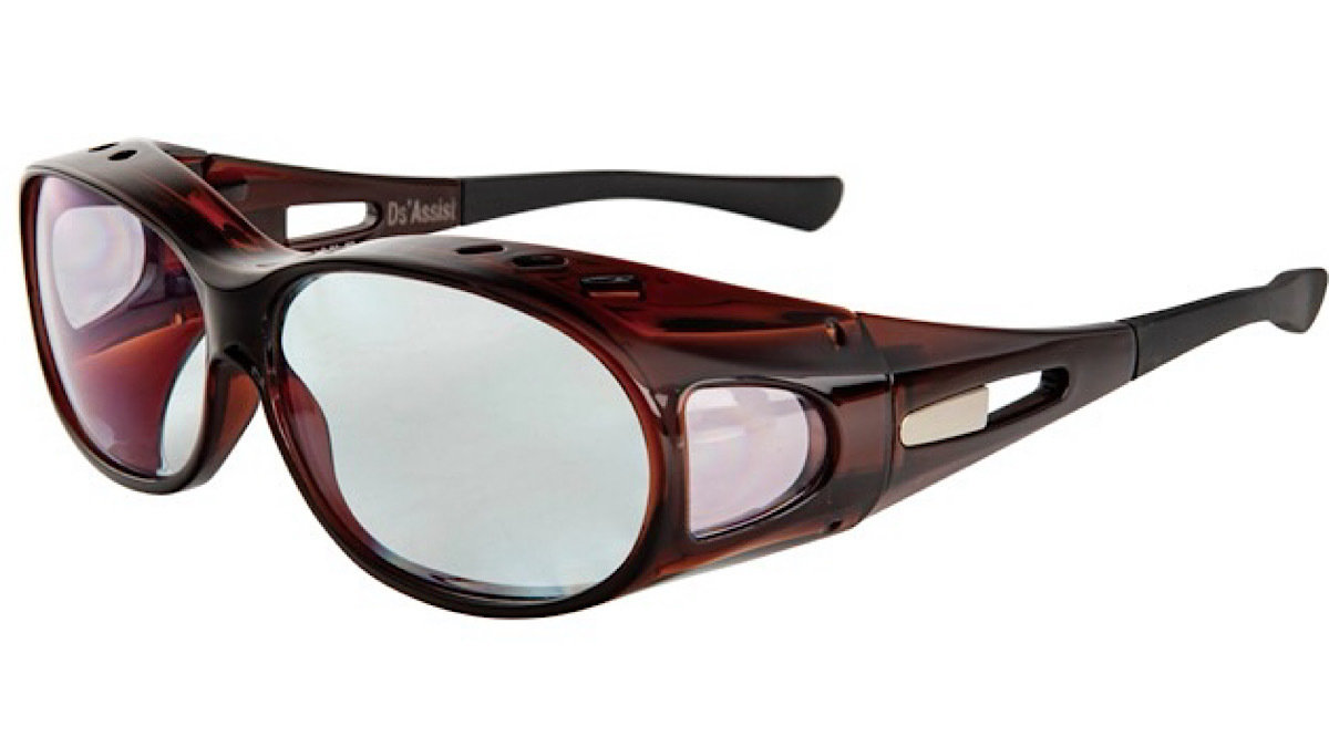 運転中の「眩しい!」を防ぐドライバーズグラスが登場。度付きメガネの上から重ね付けもできちゃう