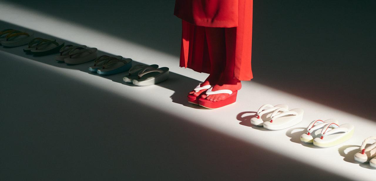 祇園の老舗履物匠が贈る逸品。和装でも洋装でも合う「kodori」