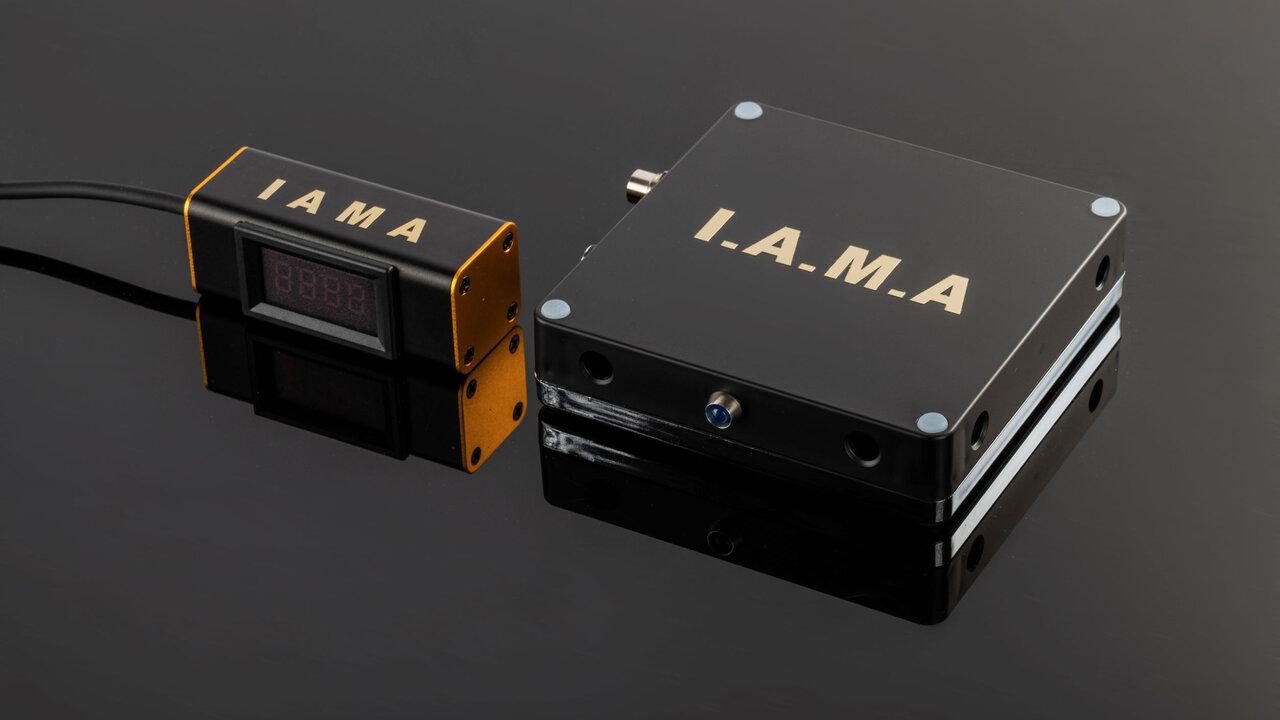 眠気の原因CO2濃度を測って警告!車内で使える測定器「I.A.M.A」で居眠り運転を未然に防ぐ