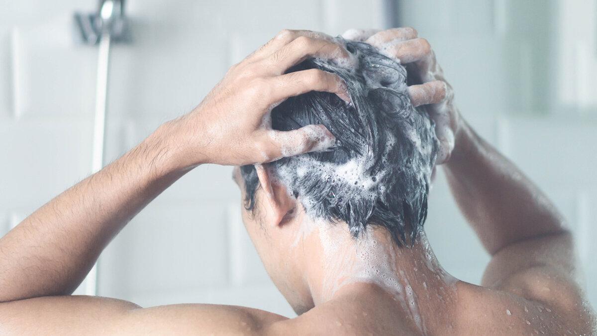 夏のメンズは頭皮環境が危ない⁉手を抜きたくない人のためのヘアケア5選