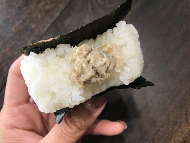 【おにぎり探訪】大阪で見つけた「オコメノカミサマ」で食べる新感覚「おむすび」