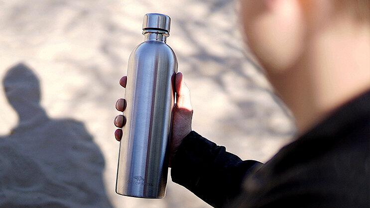 シンプルだから使いやすい。ソーダストリーム対応軽量ステンレスボトルなら、いつでも炭酸が飲み放題!