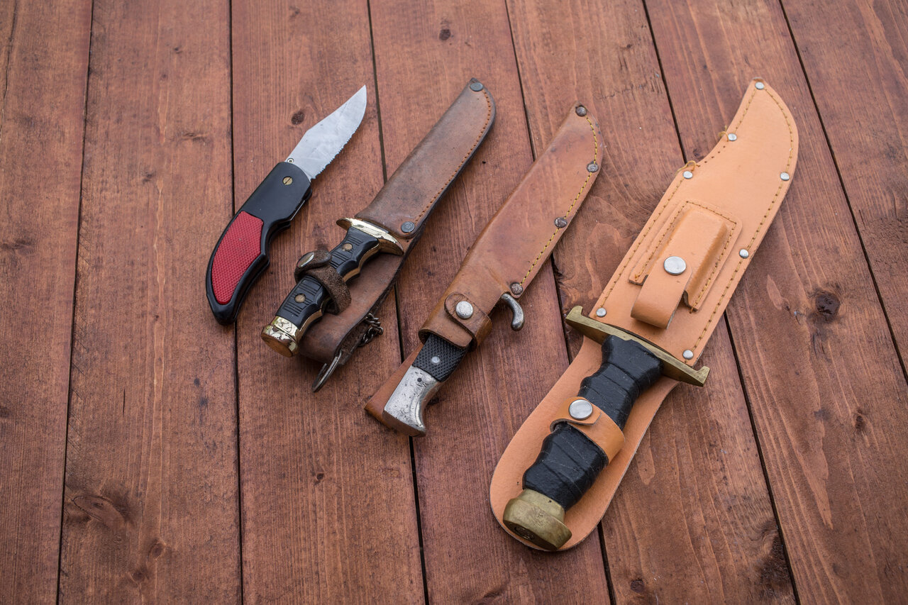 キャンプで重宝する狩猟ナイフ5選、初心者でも手軽に扱える!
