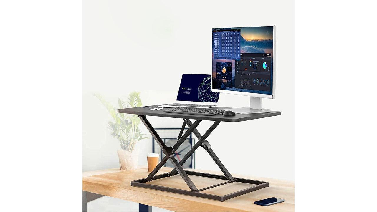 どんな机もスタンディングデスクに!テレワーク環境をアップデートする「昇降式スタンディングデスク」