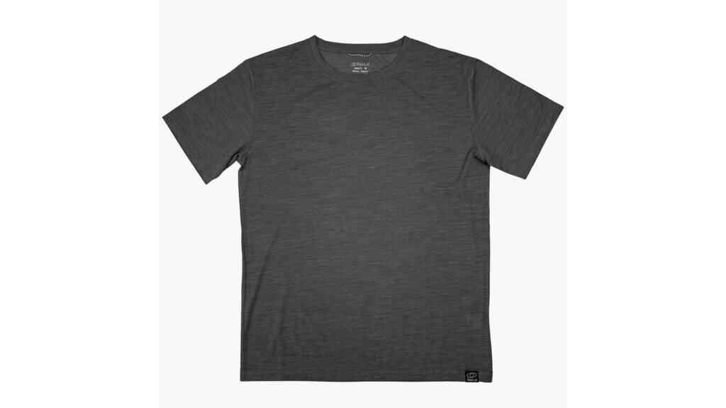 快適万能Tシャツ「シープブレス」は、最高級メリノウール×次世代炭素材料「グラフェン」で一年中快適