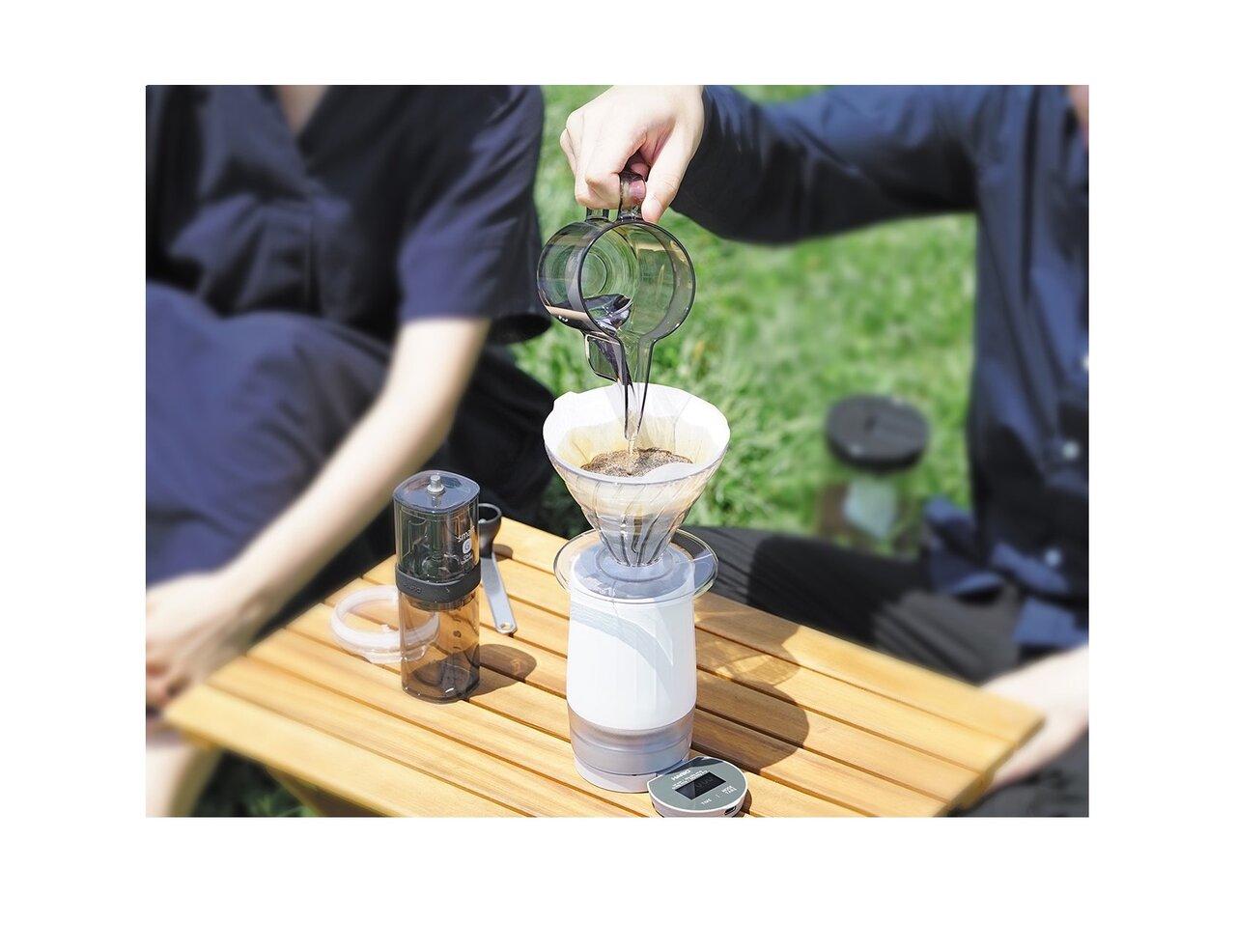 ハンドドリップを簡単に。コーヒースケールに真空マグがプラスされたコーヒースケールマグ