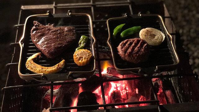 【MADUROセレクション】9月はキャンプ!肉も野菜もうまい!直火OKの波型鋳物プレート「黒舟」