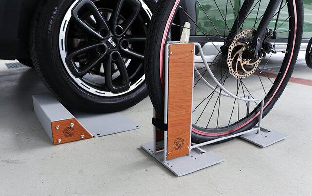 DIYでおうちをアップデート!スタイリッシュな「自転車スタンド」「車止め」がいい感じ