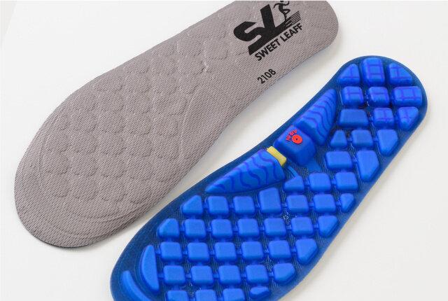 エアポンプでいつもの靴が抜群の履き心地に!フィット感がクセになる「エアポンプ搭載インソール」