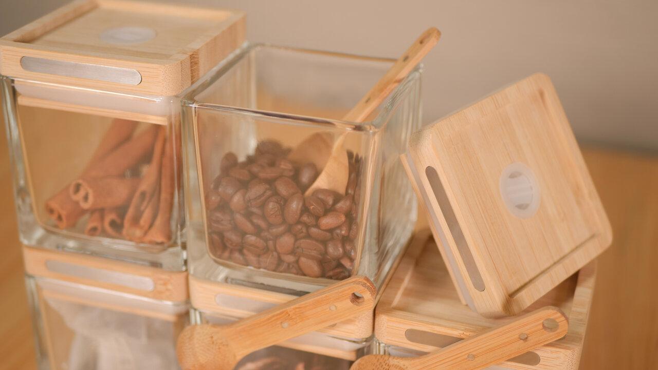 豆の香りが守られる!美しくハイテクなキャニスター「CUBES」