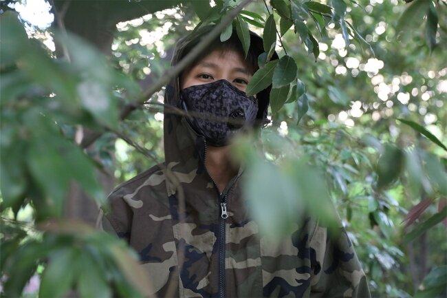 マスクにミリタリーのおしゃれさを。5層構造の活性炭フィルターを採用したマスク